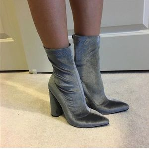Shoes - grey velvet booties